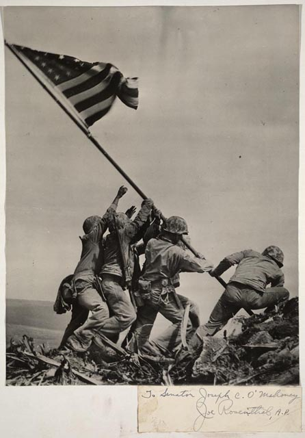 flag raising mt suribachi